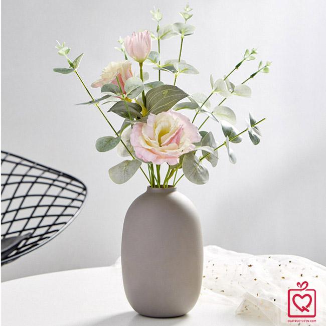 Lọ hoa dáng bầu nghệ thuật - Đóa hồng trong sương