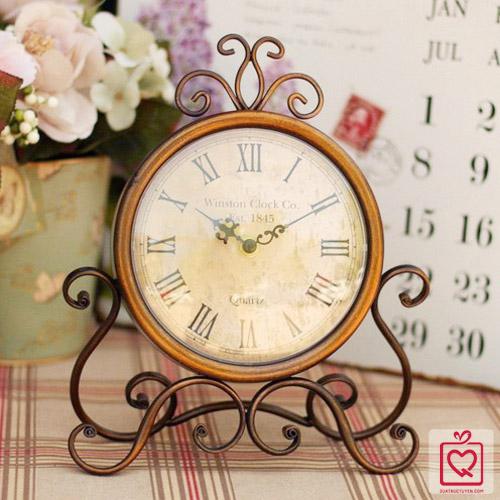 đồng hồ để bàn 1845