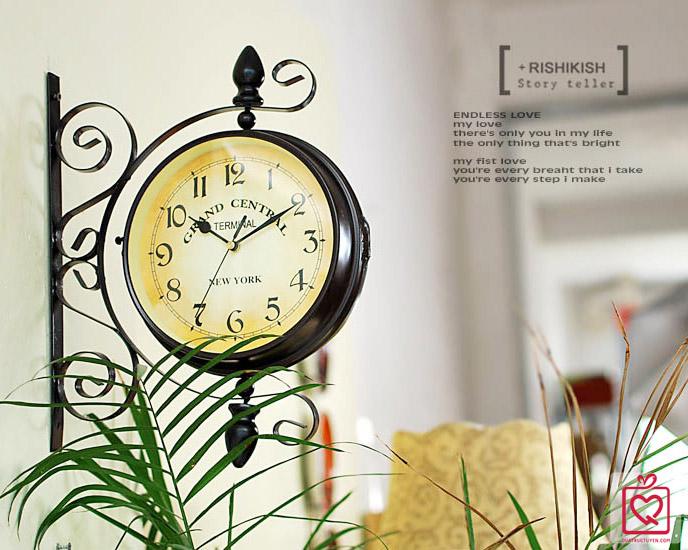 đồng hồ treo tường 2 mặt vintage