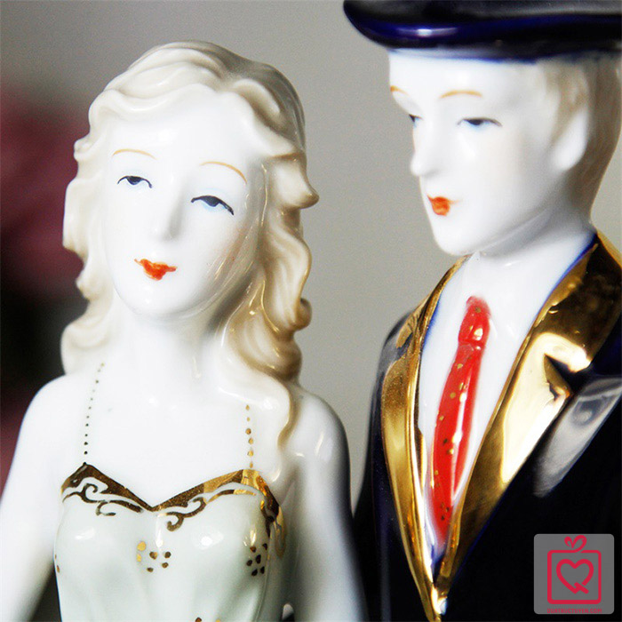 tượng đôi tình nhân gốm sứ nghệ thuật