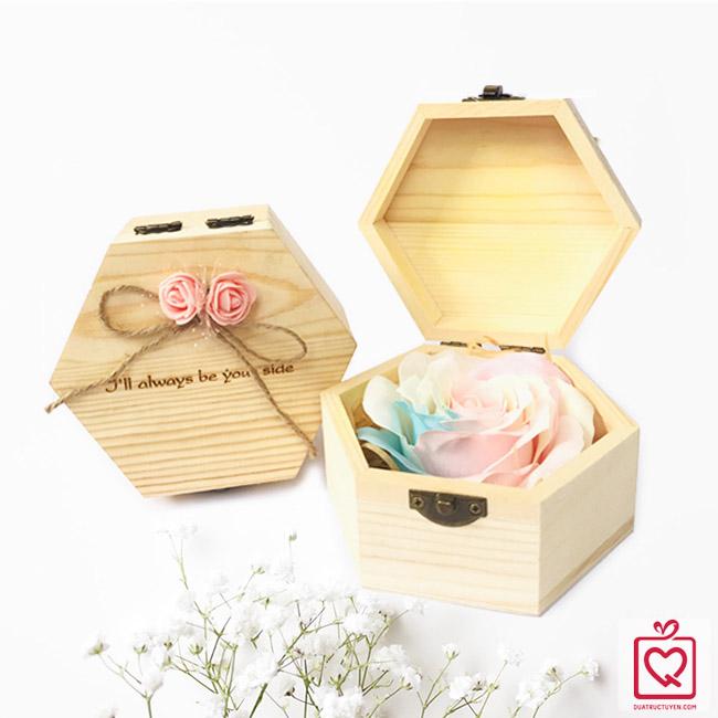 Hoa hồng sáp thơm phát sáng khắc thông điệp tình yêu