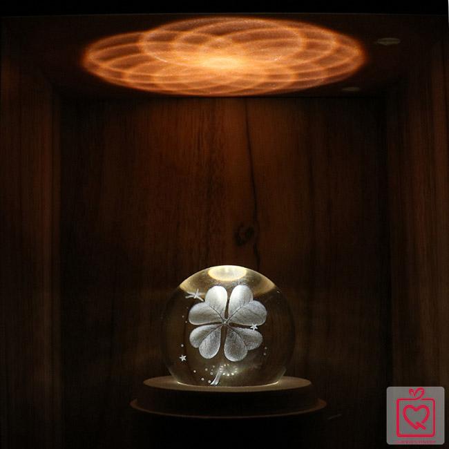 hộp nhạc quả cầu pha lê 3d