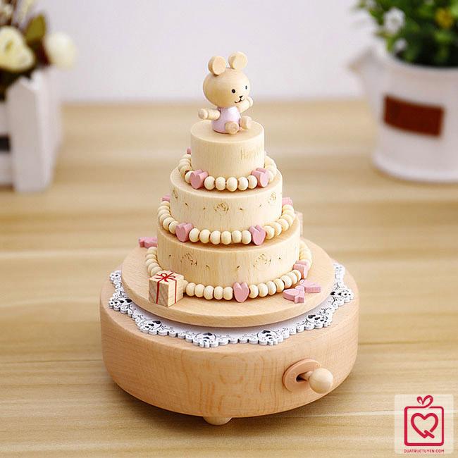 Hộp nhạc gỗ bánh sinh nhật
