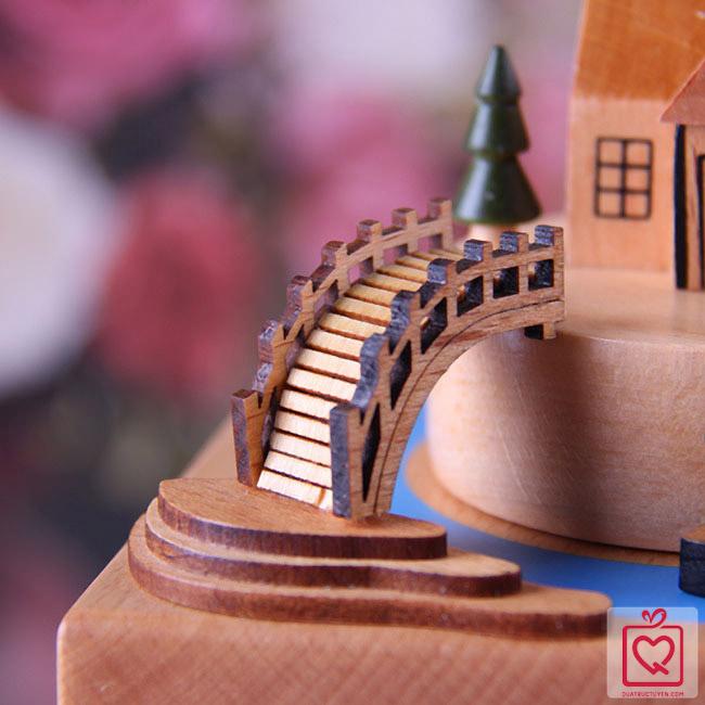 Hộp nhạc gỗ du thuyền ở Venice