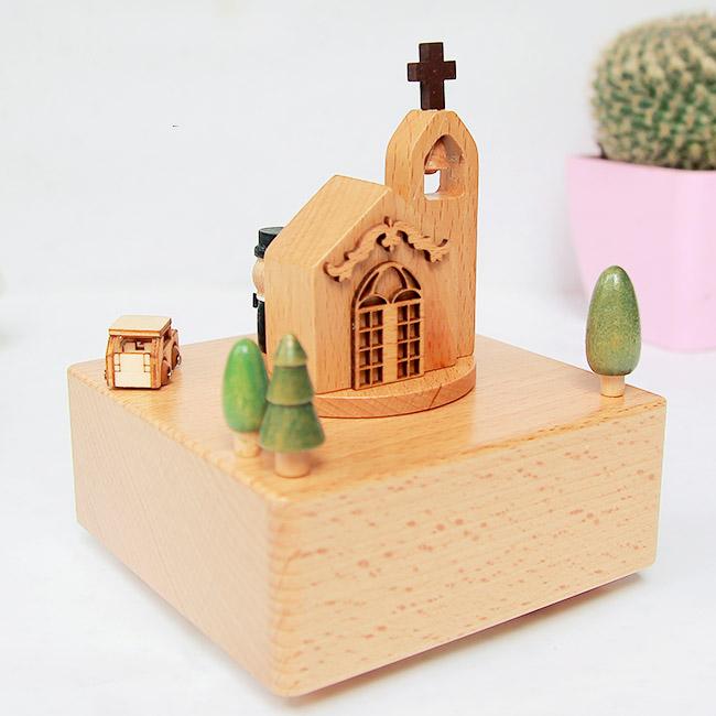 Hộp nhạc gỗ Hôn lễ nơi thánh đường