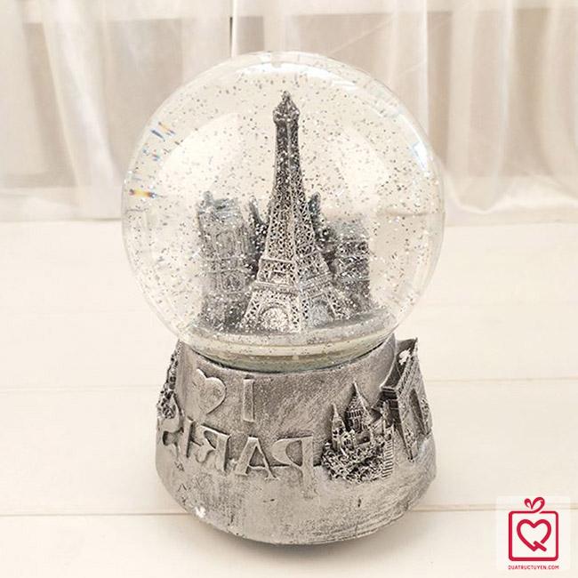 hop nhac qua cau tuyet Paris
