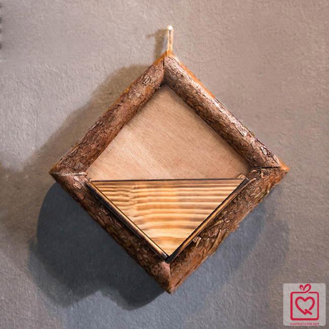 Giỏ hoa gỗ treo tường hình thoi