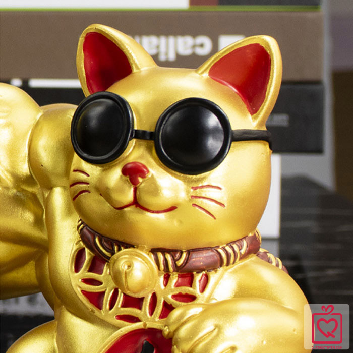 Mèo thần tài vàng tay cơ bắp Đại Chiêu Tài