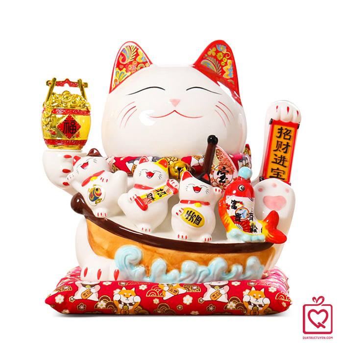 Mèo tay vẫy Kinh Doanh Đắc Lợi