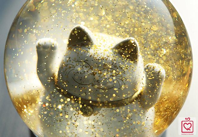 quả cầu mèo thần tài