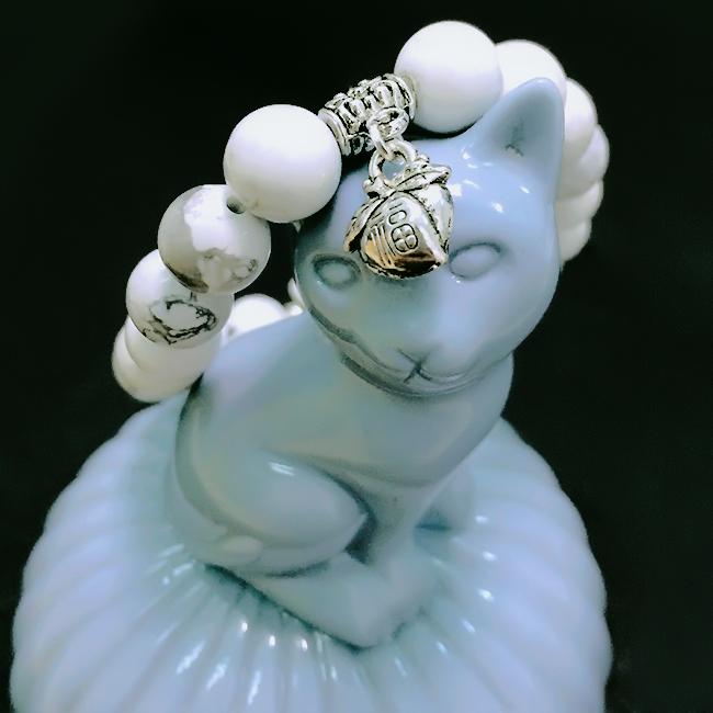 Vòng tay mèo đá phong thủy